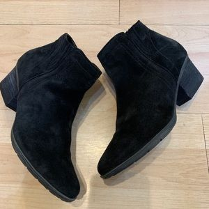 Blondo Shoes - Blonde ankle booties 8.5